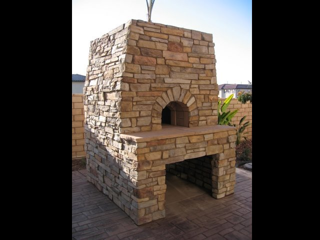 Outdoor Fireplaces and BBQs 26